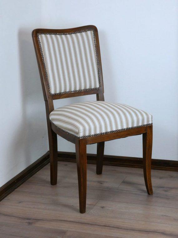 Régi kárpitos szék új szövettel