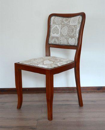 Régi szék új kárpittal