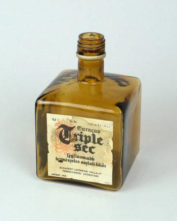 Régi likőrös üveg