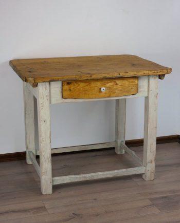 Paraszt asztal porcelán gombbal