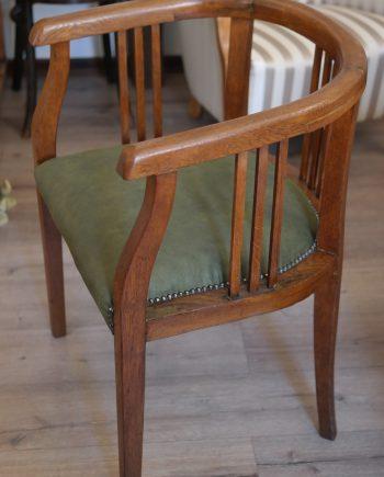 Gondolkodó szék Erdélyből