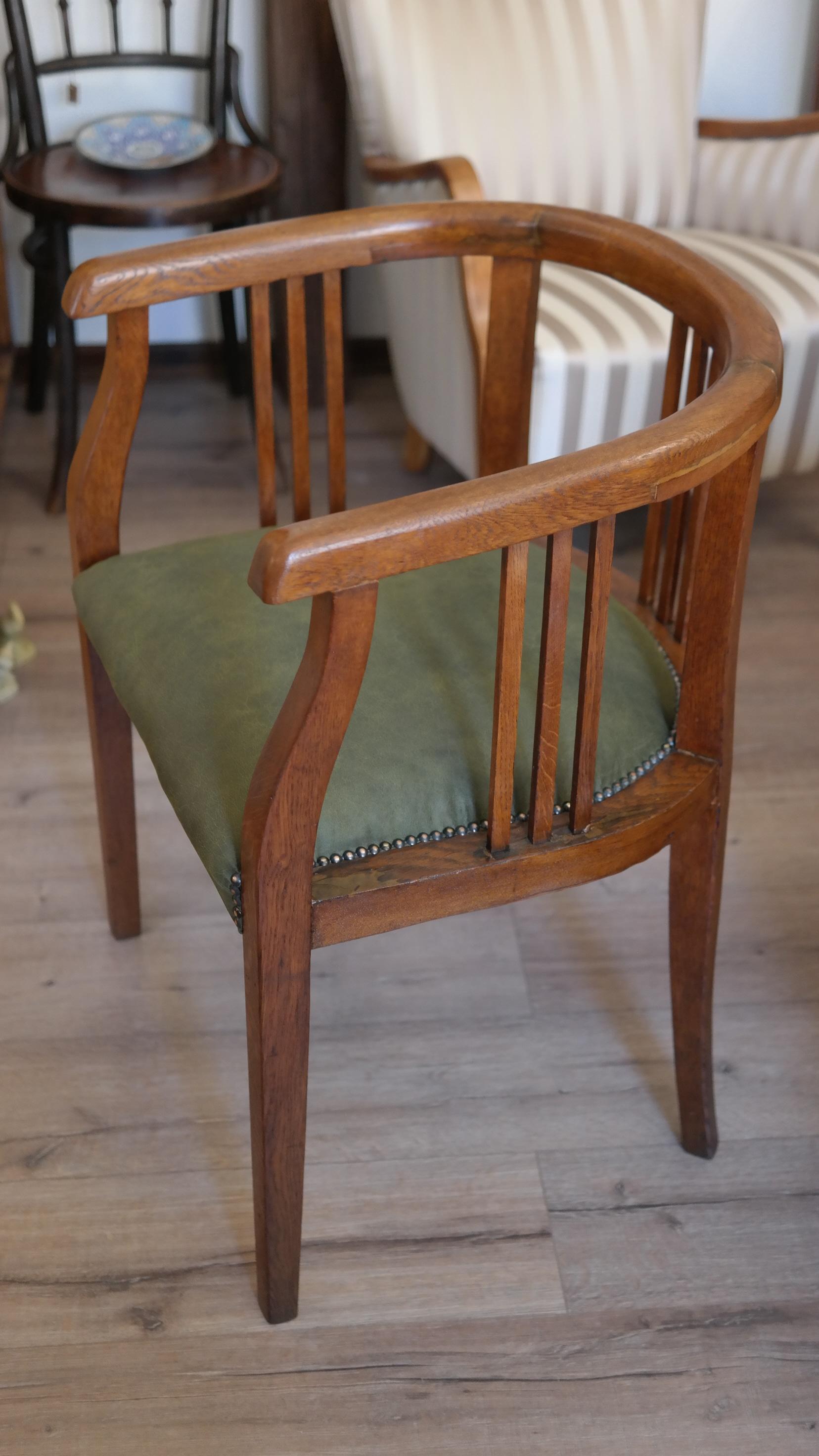 Gondolkodó fotel Erdélyből