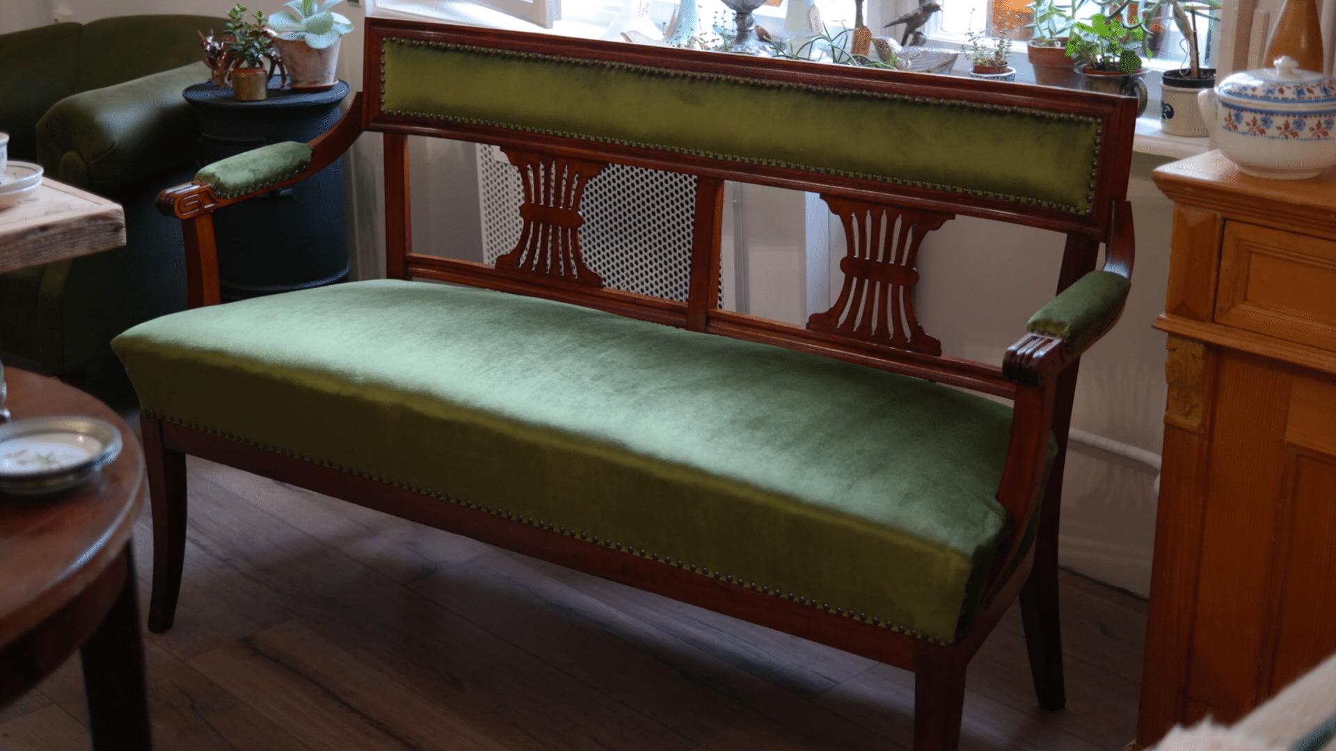 Század eleji kanapé teljeskörűen felújítva