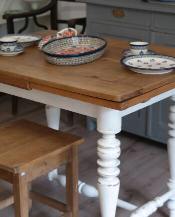 antik bővíthető asztal